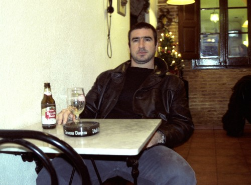 1999, Cantona lived in Barcelona when he left ManU and stopped playing soccer.